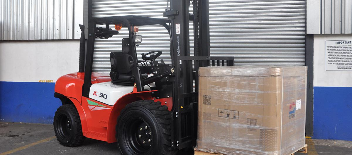 Johnson Taylor Forklifts launches new Heli Rough Terrain Forklift in South Africa to great feedback
